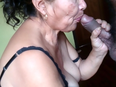 rica mamada de la abuela