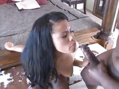 Lex Steele shoots his cum in an ebony babe's face