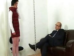 Lazy secretary increased by corporalist queen