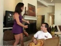 Bee's knees exalt big sausage pizza