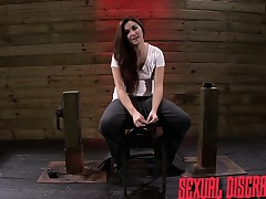 Submissive slut Stella May rides the sybian and worships a unreasoning cock