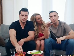 Corinna Blake seduces a span of males for a great threesome game