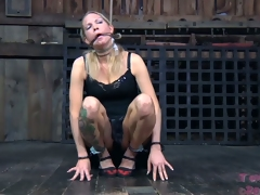Trashy blonde with saggy pantoons must dread punished for being a slut