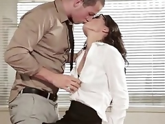 Babes - Resolving Mr. Right, Alexa Tomas, Joel