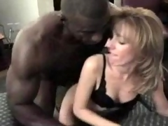 Her Husband Let Her Try A Dark Zooid